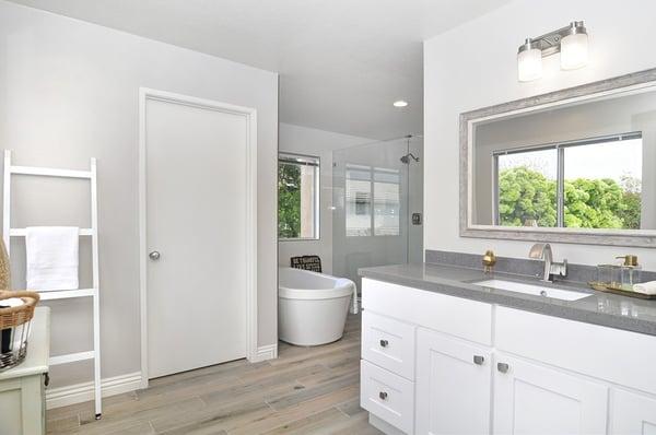 Remodeling Tactics to Make Your Bathroom Feel Bigger
